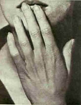 <strong>MAN RAY</strong>